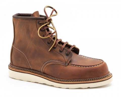 Tanned rustic brown leather Red Wing wotk boots with comfort footbed