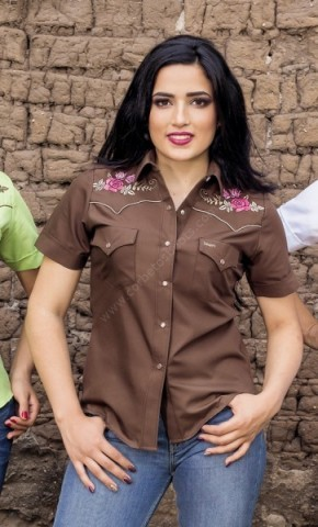 Find the best cowgirl clothing and western products at Corbeto
